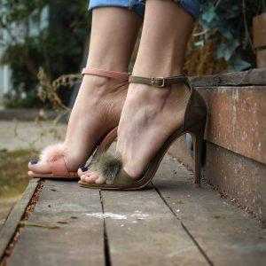 wyprzedaż sandałów damskich